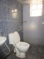 13OAU00152: Bathroom 1