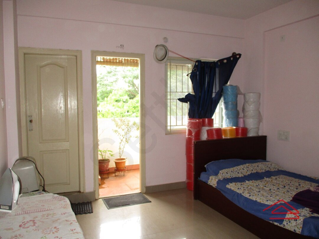 15J7U00113: Bedroom 1