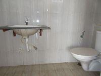 13J1U00082: Bathroom 3