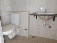 13J1U00082: Bathroom 2