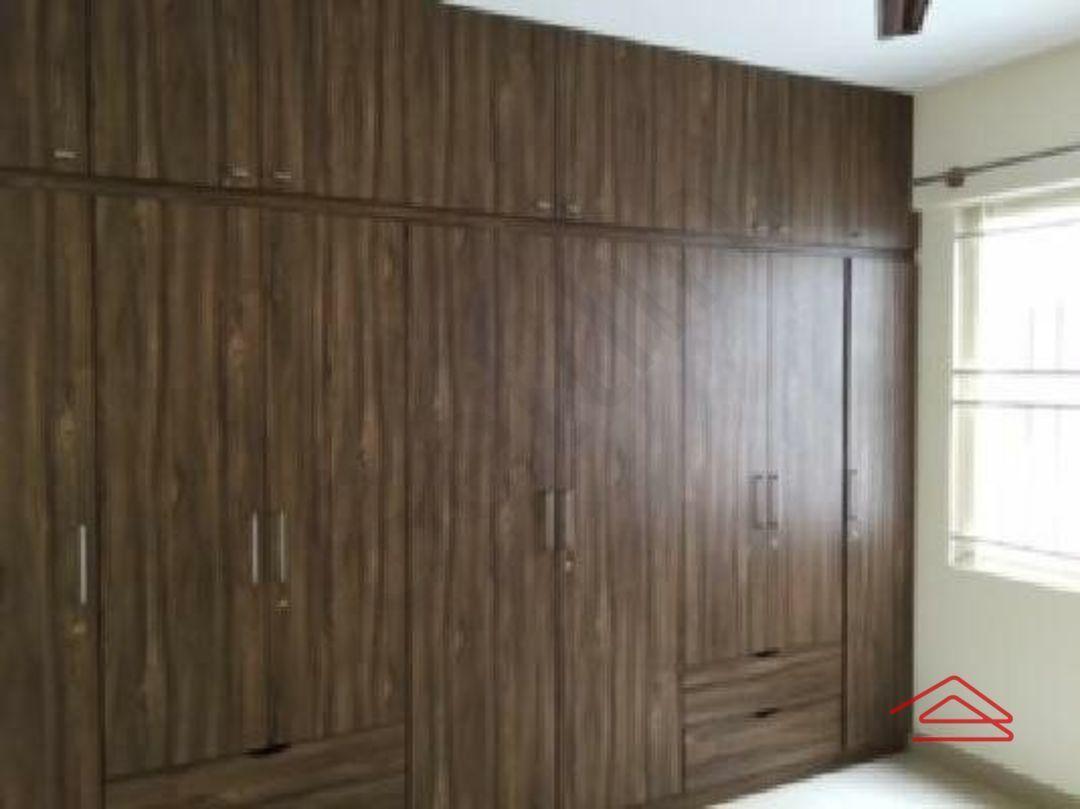 12F2U00053: Bedroom 1
