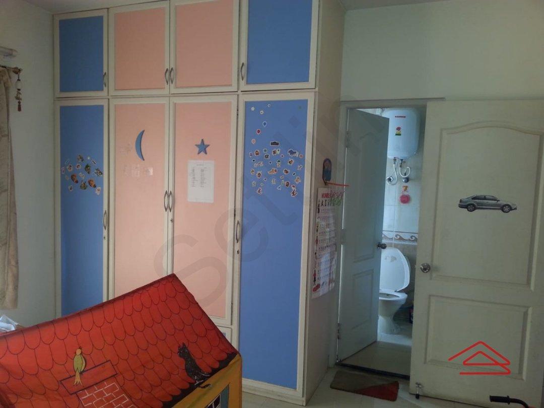13NBU00090: Bedroom 1