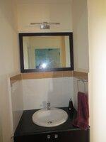 15F2U00272: Bathroom 2