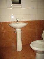 12DCU00224: Bathroom 2