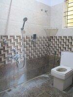 15F2U00170: Bathroom 1