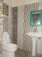15M3U00137: bathroom 1
