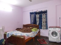 13NBU00213: Bedroom 1