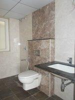 13J7U00354: Bathroom 3
