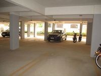 10S900075: parking 1