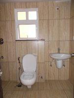13F2U00296: Bathroom 1