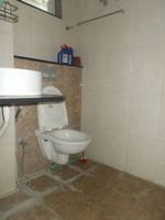 12S9U00200: Bathroom 2
