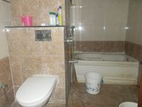 12S9U00200: Bathroom 1