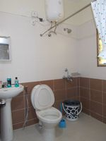 13M5U00248: Bathroom 2
