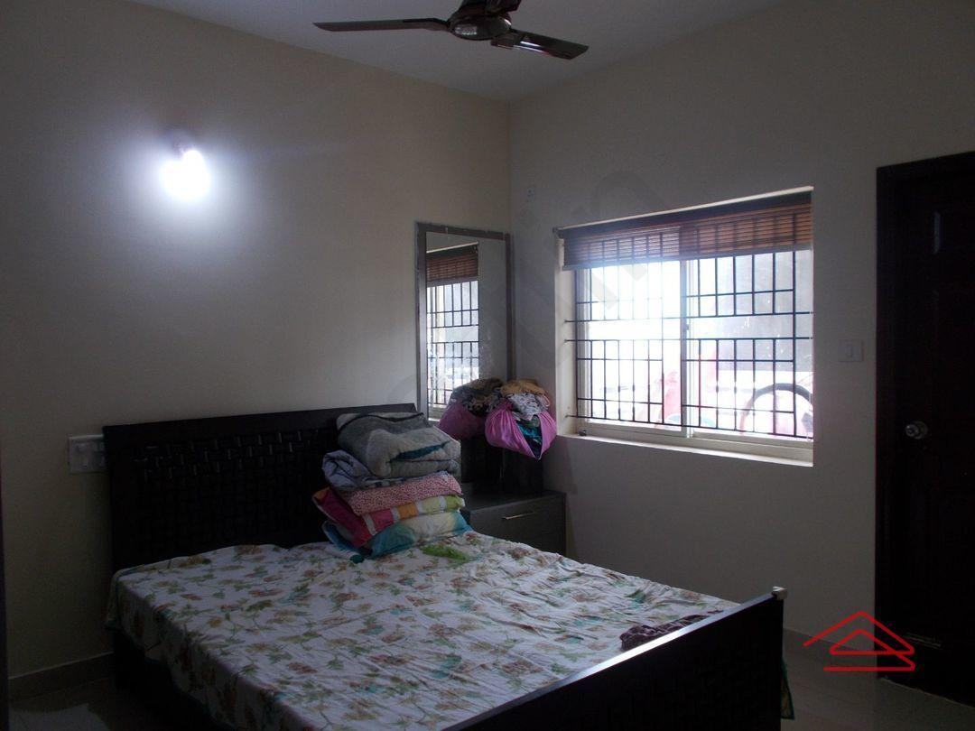 13M5U00248: Bedroom 1