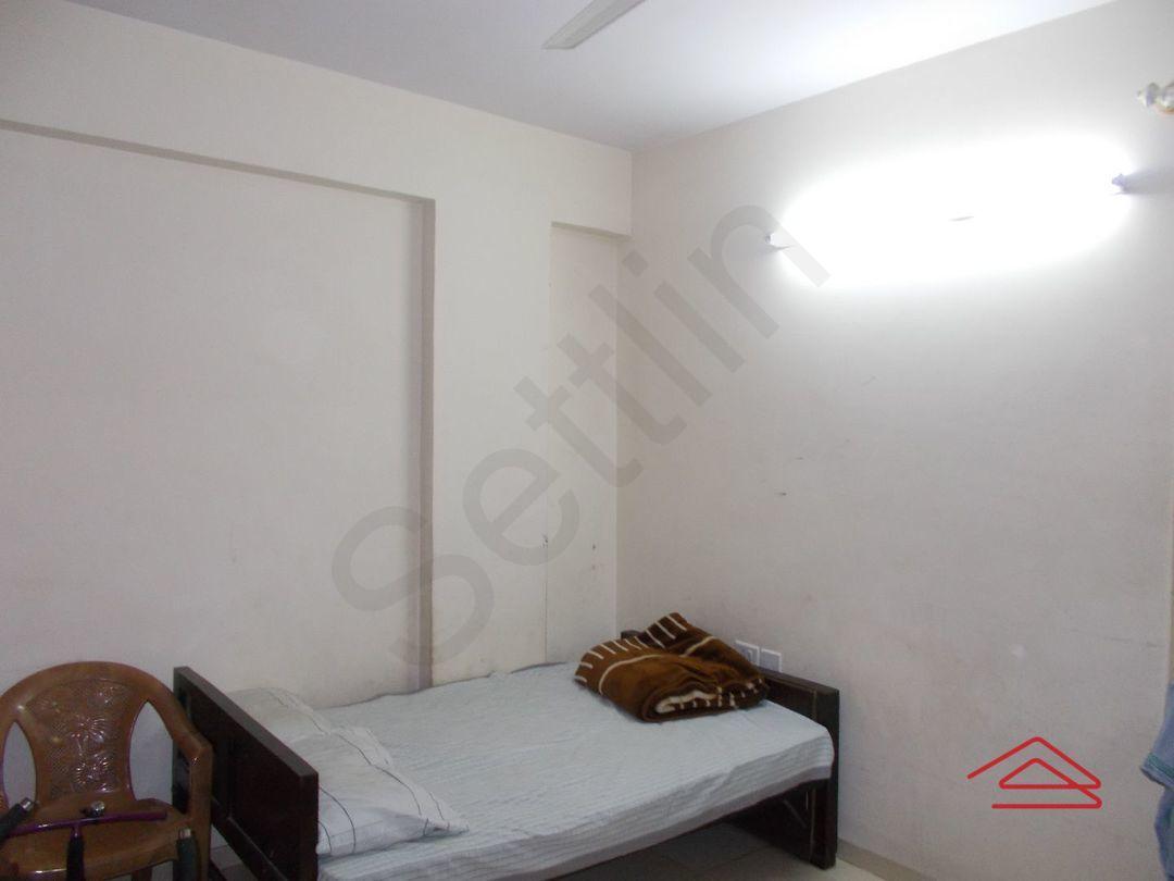 12M5U00389: Bedroom 1