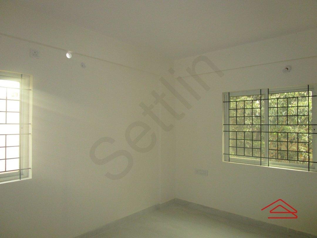 13NBU00252: Bedroom 1