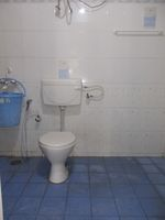 12J7U00318: Bathroom 1