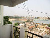 13M5U00274: Balcony 1
