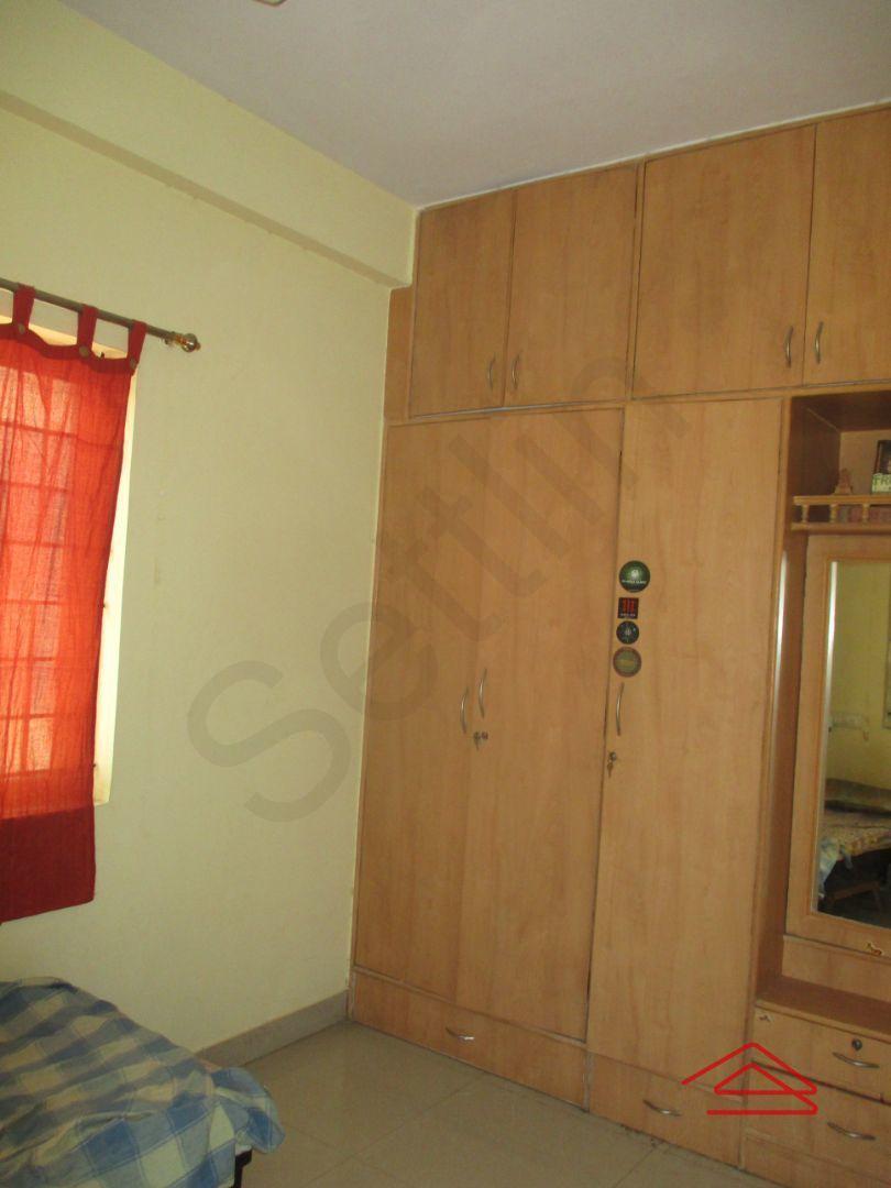 13M5U00274: Bedroom 1