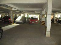 13M5U00274: parking 1