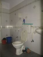 11NBU00441: Bathroom 2