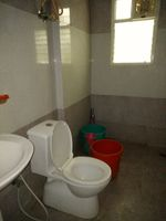 12M5U00408: Bathroom 2