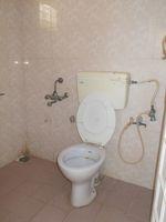 13M3U00358: Bathroom 2