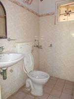 13M3U00358: Bathroom 4