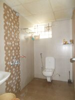 15M3U00167: Bathroom 2