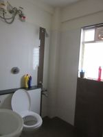 13J7U00130: Bathroom 1