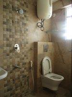 14J1U00110: Bathroom 2