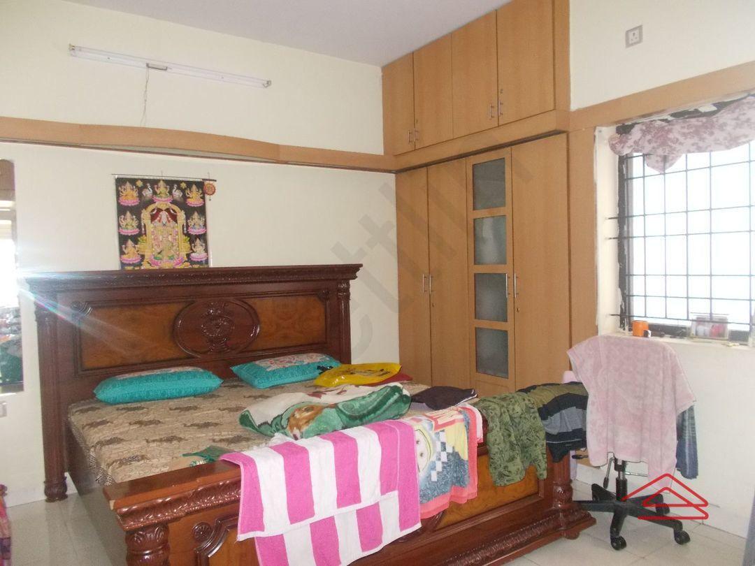 12J6U00087: Bedroom 1