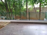 13M5U00448: Balcony 1