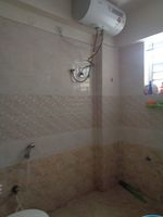 12DCU00004: Bathroom 1
