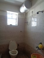 12DCU00004: Bathroom 2