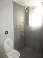 13M5U00572: Bathroom 1