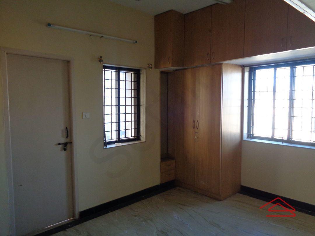 12S9U00238: Bedroom 1