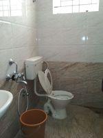 11S9U00328: Bathroom 2