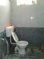 11S9U00328: Bathroom 1