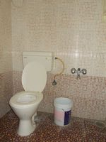 13J1U00152: Bathroom 1