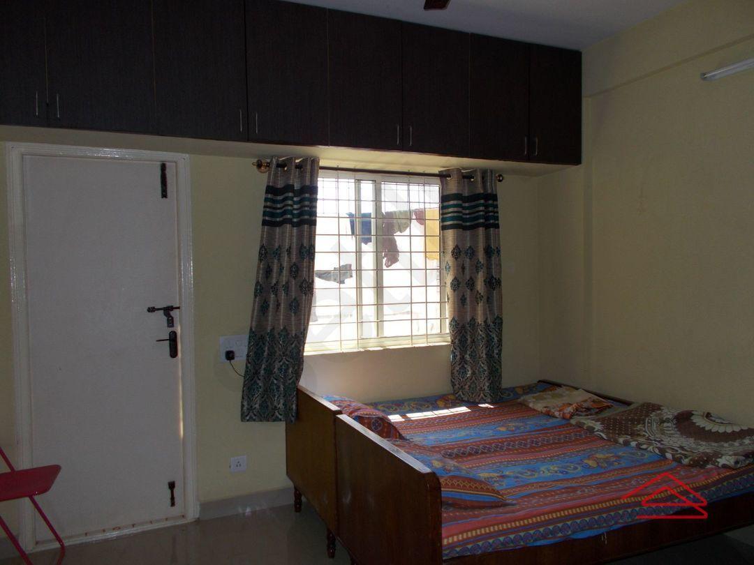 13J1U00152: Bedroom 1