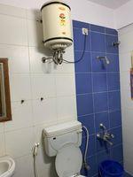 13J6U00342: Bathroom 2