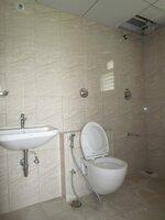 15S9U00271: Bathroom 1