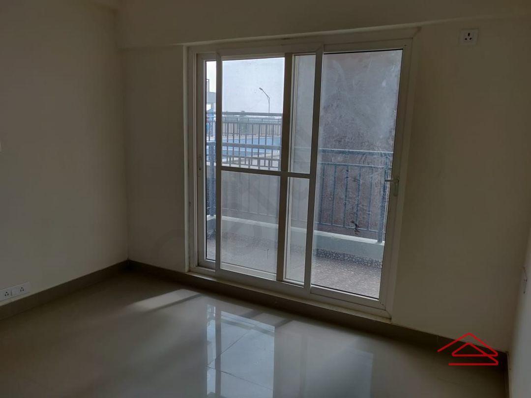 13M5U00573: Bedroom 1