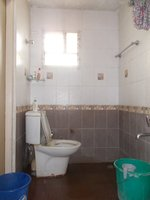 14J1U00117: Bathroom 1