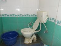 12NBU00275: Bathroom 1