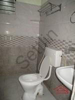 10DCU00332: Bathroom 2