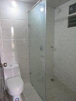13S9U00038: Bathroom 2