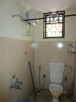 13F2U00165: Bathroom 1