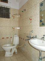 12DCU00307: Bathroom 2